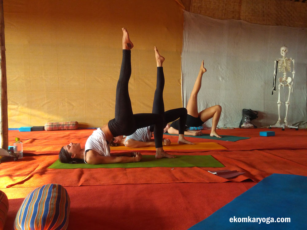 100 Hour Yoga Teacher Training Courses In India Ek Omkar Yoga School