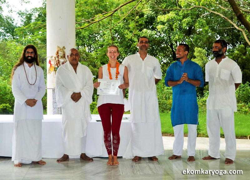 Yoga-Teacher-Training-Rishikesh-Gradutation-Ceremony